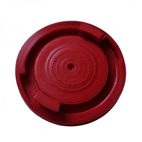 Plastic plug for hydrant